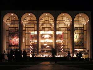 Metropolitan_Opera_House_At_Lincoln_Center_2